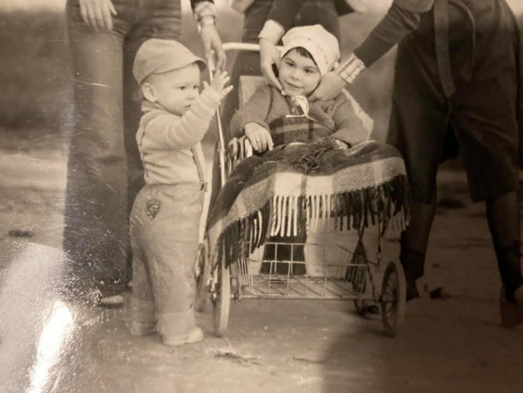 Petko Gasparik so sestrou Mjakou